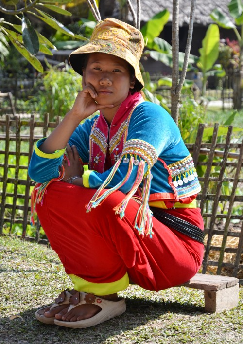 native-tribe-woman-in-thailand