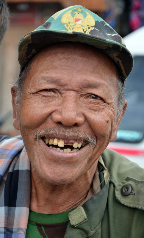Sumatran fisherman smiling - Erik Winther 2011